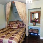 Hotel Pictures: Angel's Rest Relaxing Suites, Peterborough