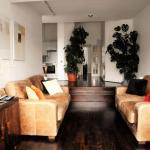 Cool, calm, sophisticated 2BD house in Tooting Bec,  London
