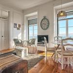 Localtraveling ALFAMA River View - Family Apartments,  Lisbon