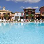 Hotel Pictures: Madame Vacances Les Rives Marines, Le Teich