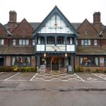 (4.4/5)   Ely Hotel  reviews