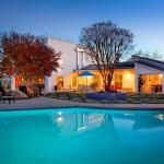 1024 - Mulholland Rockstar Retreat,  Los Angeles