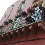 La Casa Rosa, Riposto