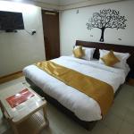 OYO Apartments Bodakdev Thaltej(AHM196), Ahmedabad