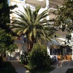 Solaris Apartments, Sutomore