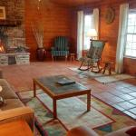 Charming Ostrich Ranch Guest House, Dolan Springs