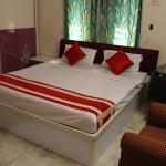 OYO Rooms Ruby Tagore Park 2(KOL421), Kolkata