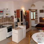 Apartments Mirjana, Peroj