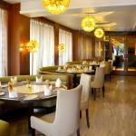 OYO Premium Cantonment Varanasi(VNS086),  Varanasi