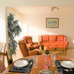Hotel Pictures: Appartement Tournade 2, La Rochelle