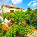 Apartments Desanka 972,  Fažana