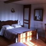 Hotel Pictures: La Ferme Des Vignes, Le Ham