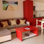 Red Apartment,  (( Kakomë ))