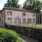 Hotel Pictures: Château Mesny, Vic-sur-Seille