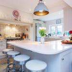 Veeve - Bright and Beautiful Richmond Home,  London
