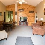 Feeder Creek Lodge, Fernwood