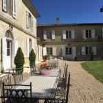 Hotel Pictures: Chateau Du Payre, Cardan