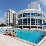 Castle Beach: Blue-Passion Flower Condo, Miami Beach