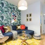 Three bedroom Apartment Soho, London