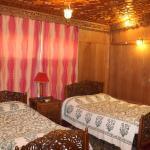 Houseboat Inshallah, Srinagar