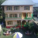 Shafeeq Guest House,  Srinagar