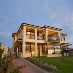 Le Chateau d'Ocean - Absolute Beachfront, Jindalee