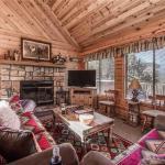 Breakaway Cabin Three-bedroom Holiday Home, Ruidoso