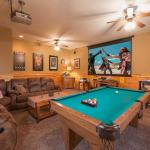 Moonlight Theater Lodge- Three-Bedroom Cabin, Pigeon Forge