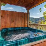 Hawks Point Lodge- Five-Bedroom Cabin, Sevierville