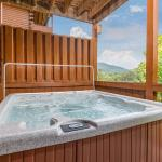 Suite Seasons- Four-Bedroom Cabin,  Pigeon Forge