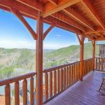 Black Bear Overlook- Three-Bedroom Cabin,  Little Cove