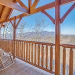 Rocky Top Retreat- Three-Bedroom Cabin,  Little Cove