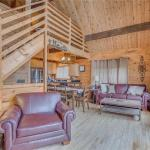 Smoky Mountain View- Three-Bedroom Cabin,  Gatlinburg
