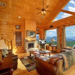 Must Be Dreamin- One-Bedroom Cabin, Park Settlement