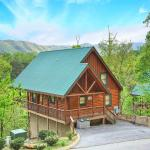 Chalet of Dreams- Two-Bedroom Cabin, Pigeon Forge