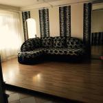 Apartment on Budivelnykiv 18, Kiev