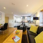 Hotel Pictures: Borehamwood - Spacious Apartment, Borehamwood