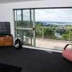 Majestic 3 Bedroom Apartment with magnificent views, Auckland