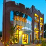 Hotel Apple Tree, Gurgaon