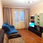 Двухкомнатные апартаменты на Победе, Kursk