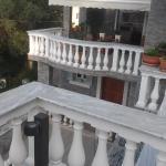 vila irilena, Ermones
