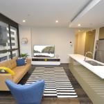 Sydney CBD Fully Self Contained Modern 2 Bed Apartment (501BAT), Sydney