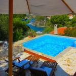 Sunny Hill Villa, Sutivan