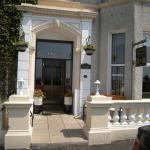 Hotel Pictures: Ashlea House, Portrush