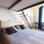 Great flat in the old town up to 4, Nice