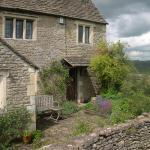 Hotel Pictures: 189 April Cottage, Bradford on Avon