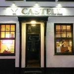 Y Castell Bar and Accommodation, Pwllheli