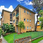 Airy Unit in the Heart of Rockdale,  Sydney