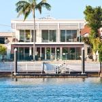 Waterfront Mansion, Gold Coast
