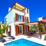 3-Bedroom Holiday home with Pool in Splitska/Insel Brač 6058,  Splitska